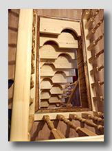 деревянная лестница гусиный шаг 3